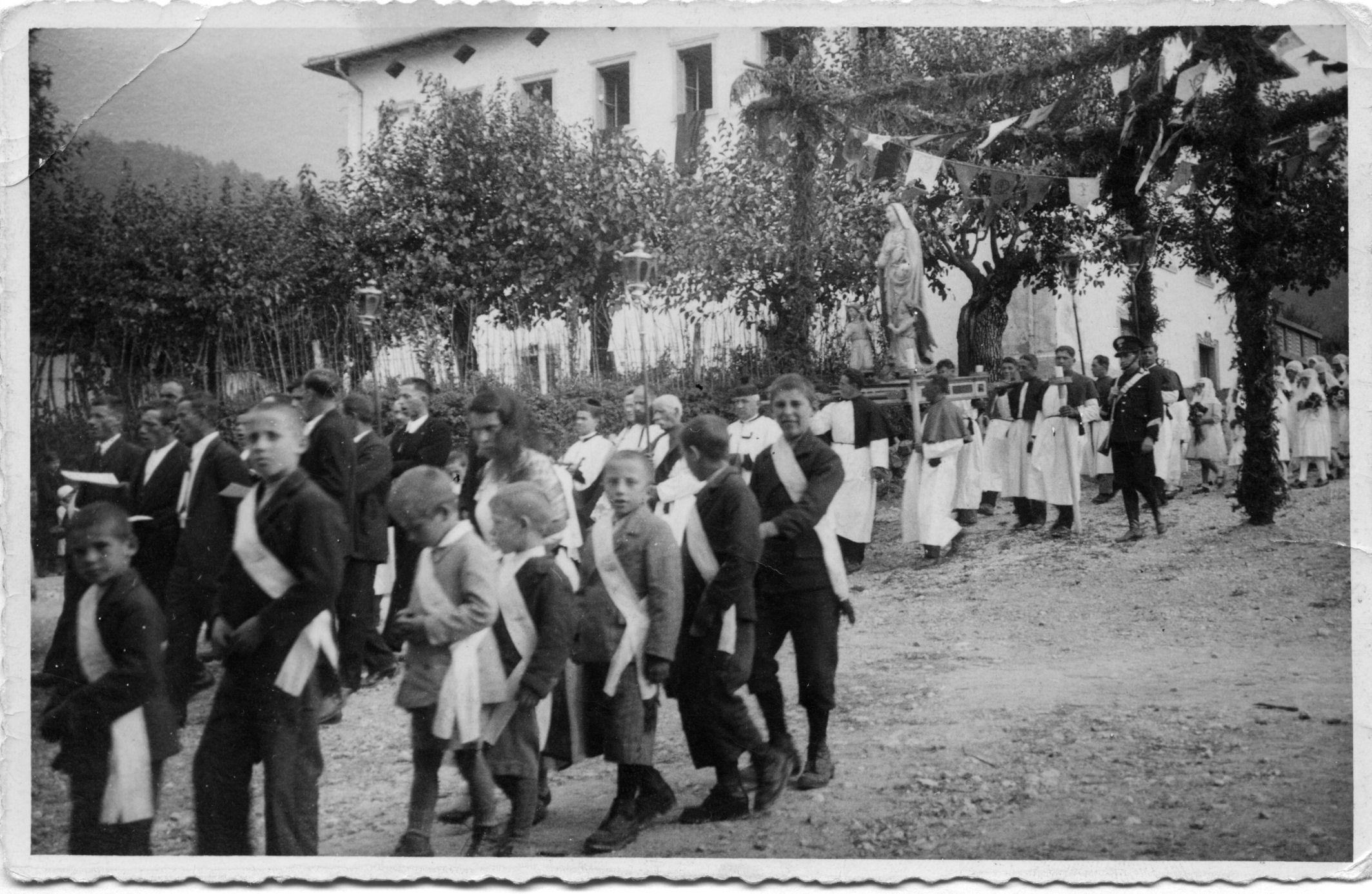 1937-9-8-processione-madonna1